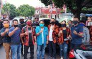 Perangi Covid19, Pemuda Pancasila Malut dan Waketum DPP KNPI Bagikan Masker ke Masyarakat